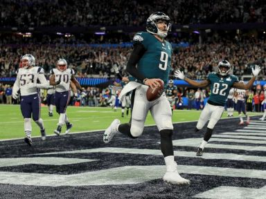 eagles-nick-foles-td-superbowl-gty-hb-180204_4x3_992